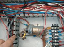 SMN Port Grimaud Schiffswerft Elektrik